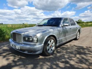 BENTLEY ARNAGE 6.8L RED LABEL SALOON CAR