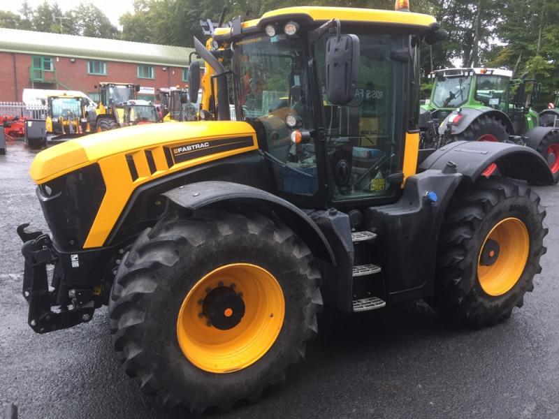 Used JCB Fastrac 4220 4 wheel steer fast tractor