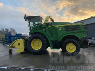 John Deere 8600 Forage Harvester