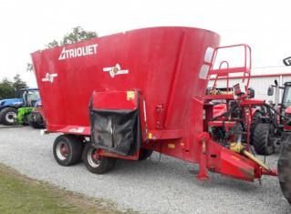 Used Triolet 2-2800 28cu Twin Auger Feeder
