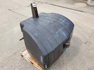 AGCO 1500KG CONCRETE FRONT WEIGHT.