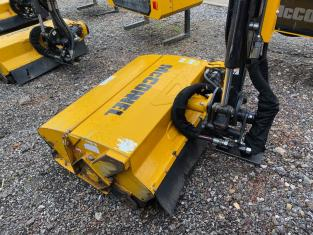 T2025180 - McConnel PA6577T Hedgecutter