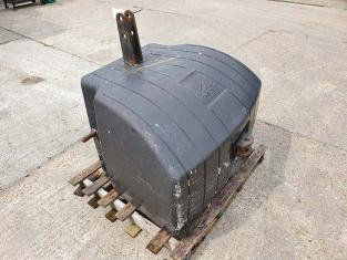 AGCO 1500KG CONCRETE FRONT WEIGHT