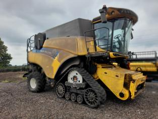 New Holland CR8.90T