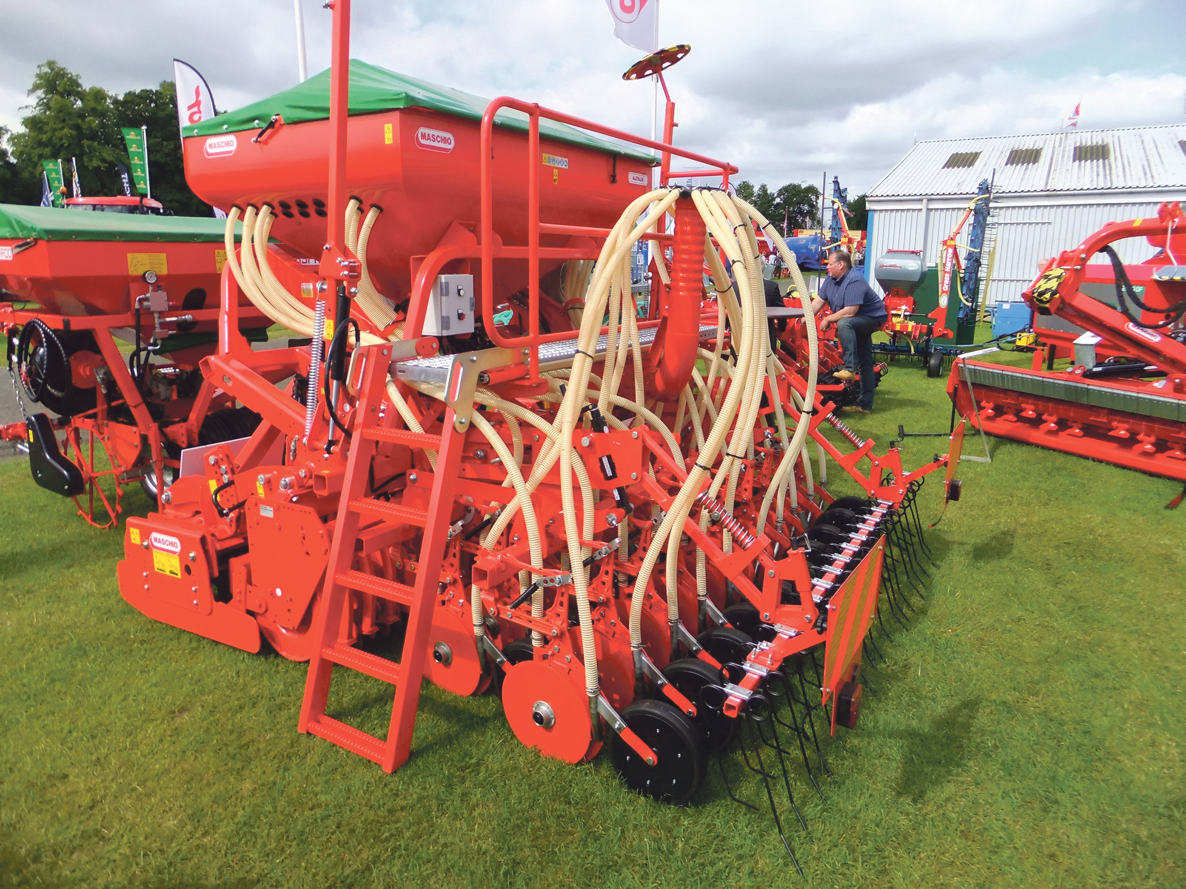Opico Maschio one-pass grain and fert' drill